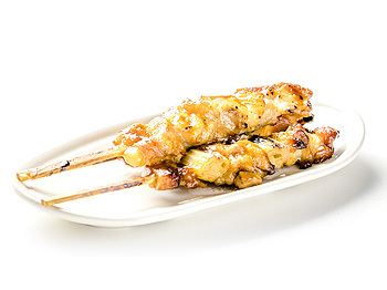 https://static.100-sushis.fr/media/photos/yakitori-poulet.jpg